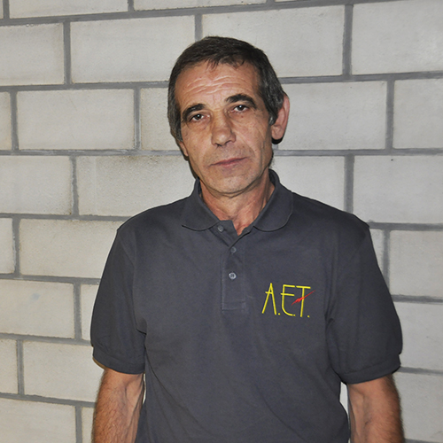 <b>Jose A.</b>